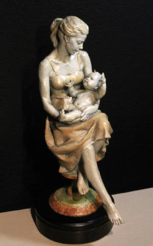 ValaOla-Mom-en-Toes-sculpture-bronze-web.jpg